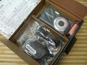 新品◆FUJI FinePix J30ブラック1220万画素02